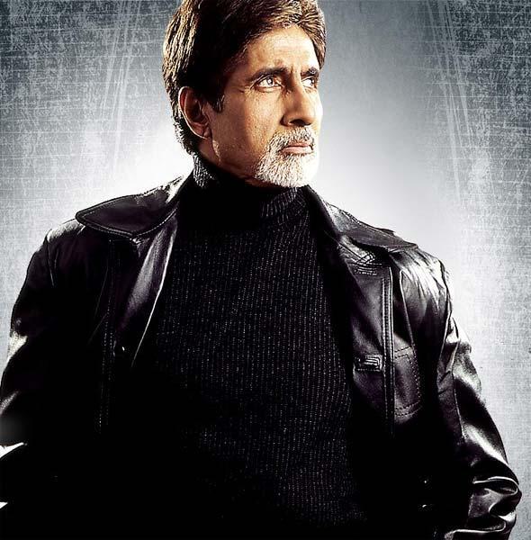 Amitabh Bachchan hot in Aetbaar