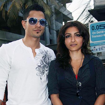 Soha Ali Khan and Kunal Khemu Hot Pics