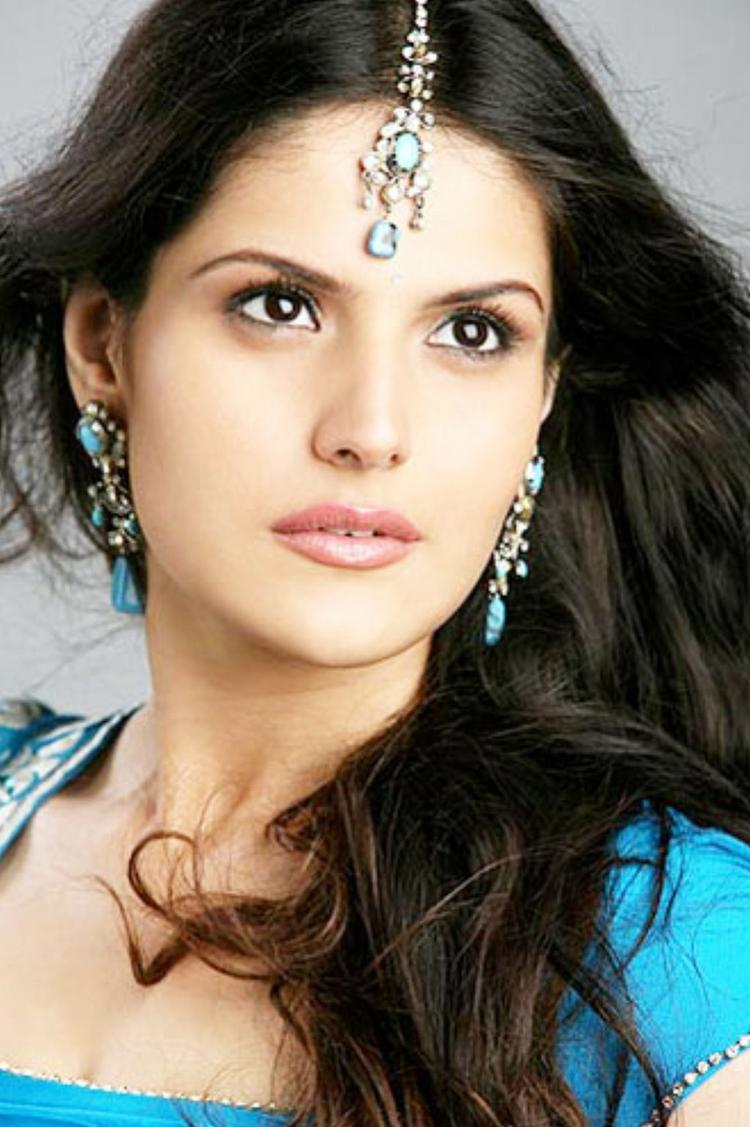 Zarine Khan hot pics