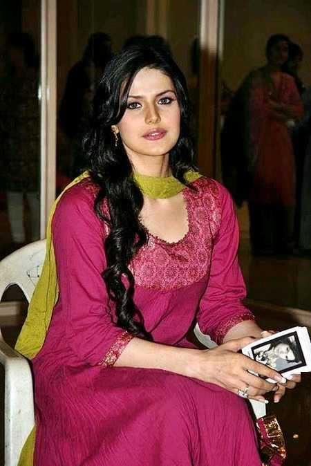 Zarine Khan hot in salwar suit