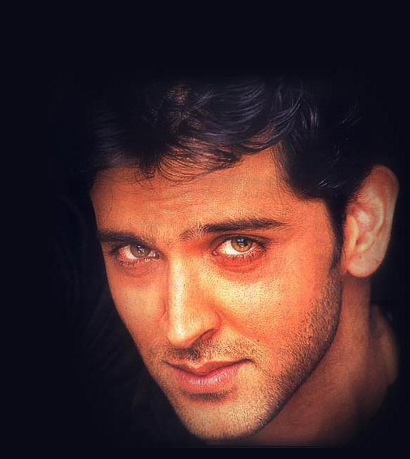 Hrithik Roshan glazing eyes look wallpaper