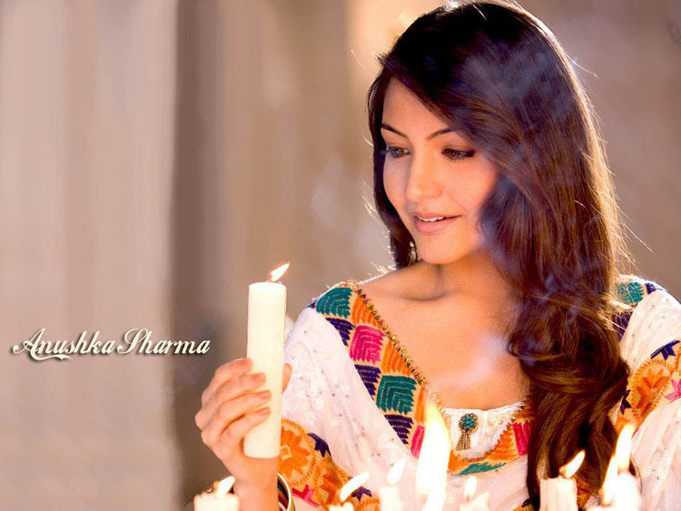 Anushka Sharma Rab Ne bana Di Jodi Pictures