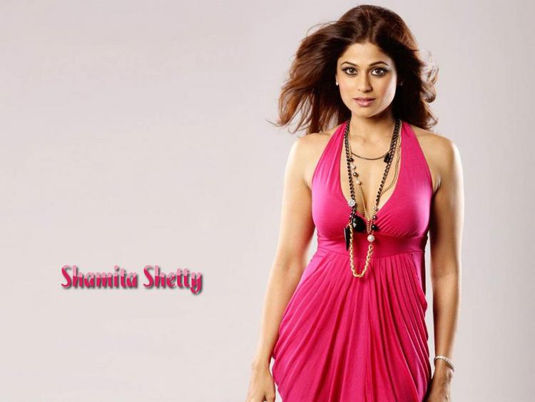 Shamita Shetty pink hot wallpaper