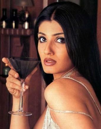 Raveena Tandon hottest and sexiest photo