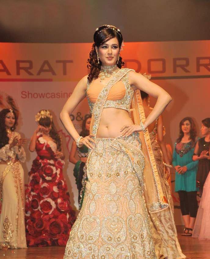 Yuvika Chaudhary photoshoot at Bharat Dorris hair and makeup fashion week