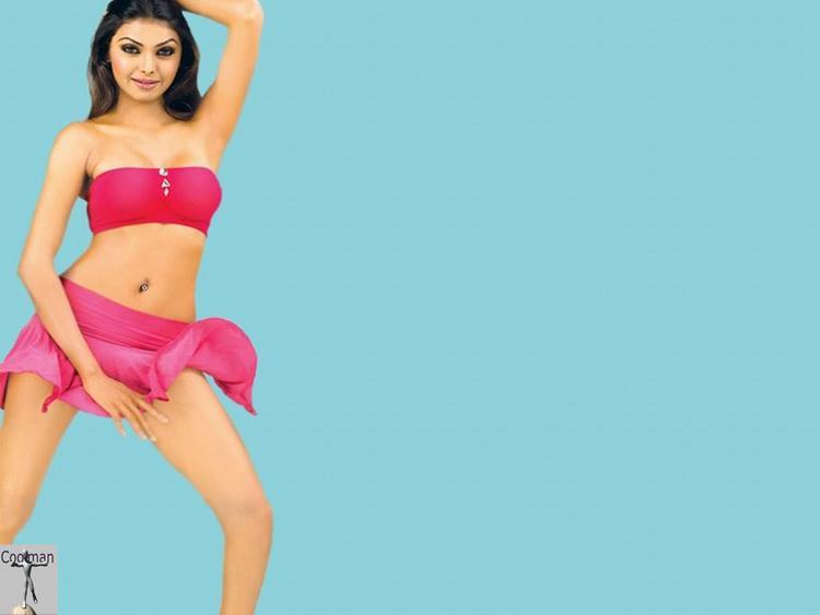 Mona Chopra pink hot wallpaper