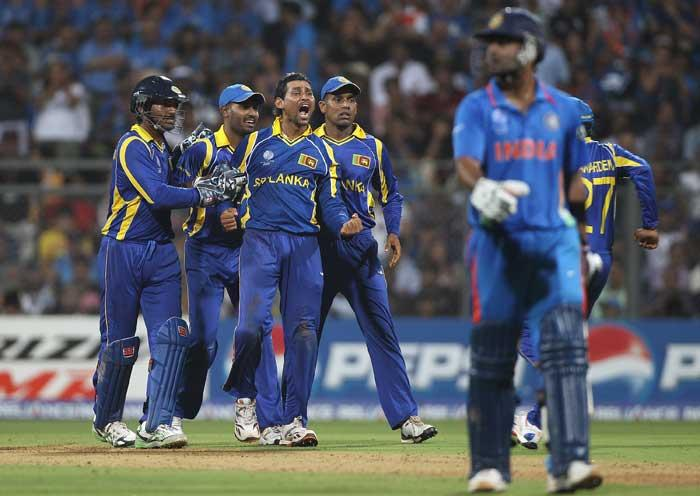 World Cup  final india vs Sri Lanka Virat Kohli caught and bowled by Dilshan photo