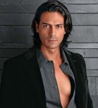 Arjun Rampal Romanti and sexy look