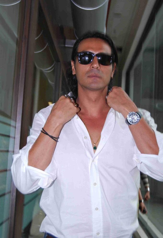Raajneeti love making scene Arjun Rampal