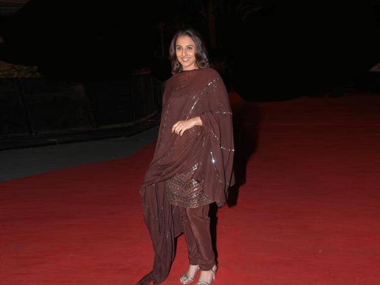 Vidya Balan in salwar suit on red carpet