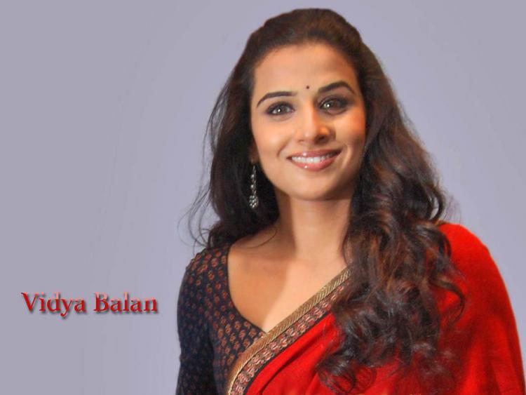 Vidya Balan looking gorgeous