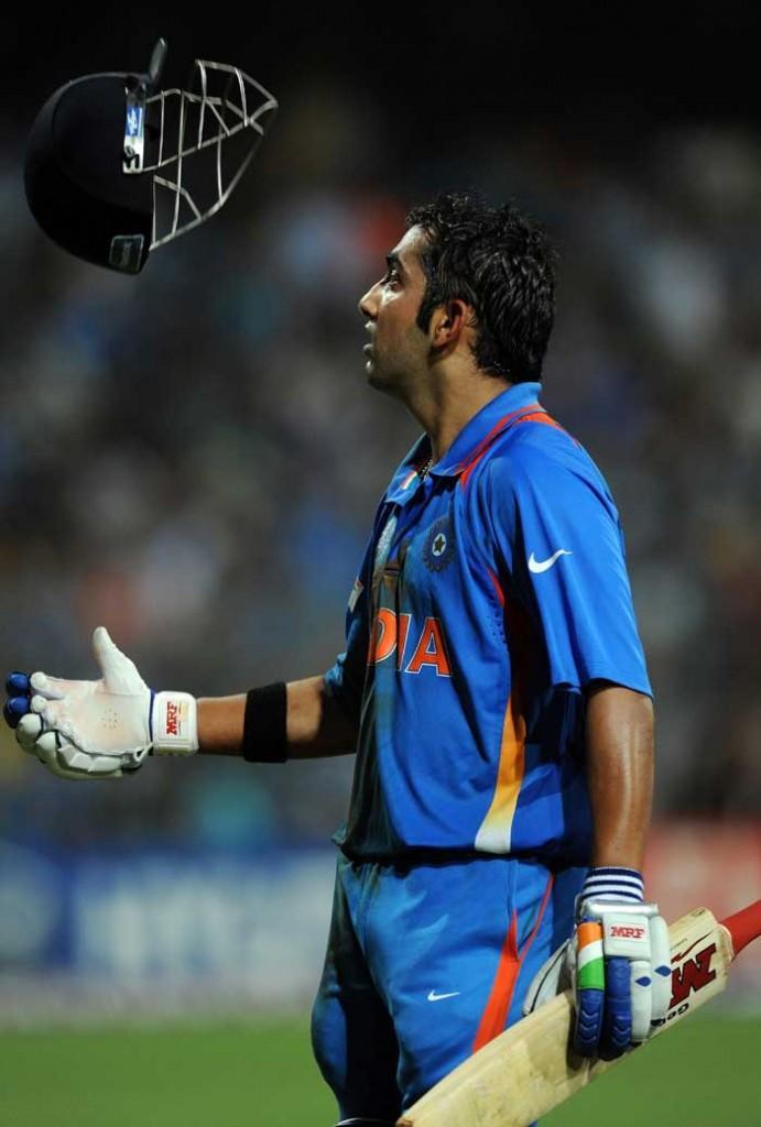 World Cup  final india vs Sri Lanka Gautam Gambhir tosses his helmet