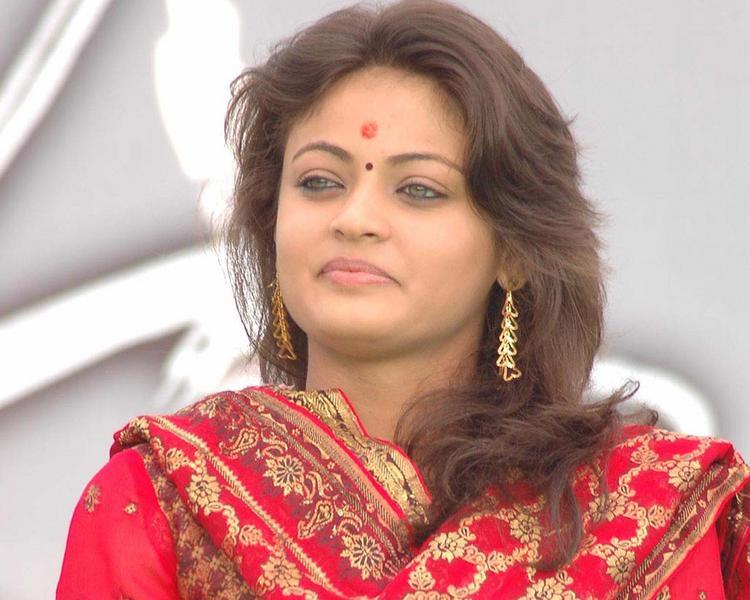 Glorious Sneha Ullal pics