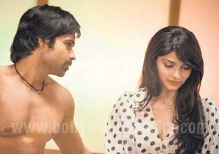 Once Upon a Time In Mumbai Movie Emraan Hashmi Prachi Desai Picture