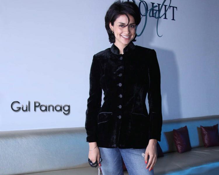 Gul Panag hairstyle wallpaper