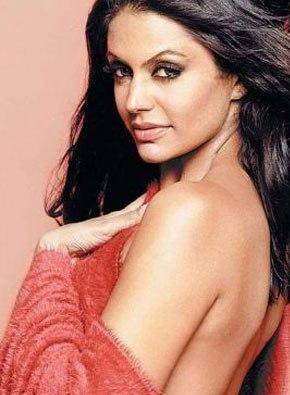 Mandira Bedi latest sexy wallpaper