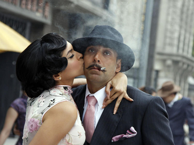 Deepika Padukone with Akshay Kumar photo