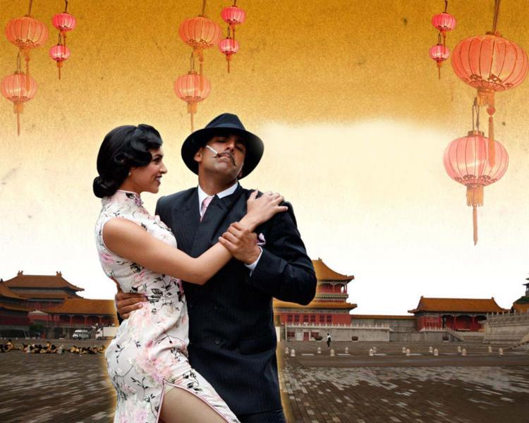 Deepika Padukone with Akshay Kumar romantic pics