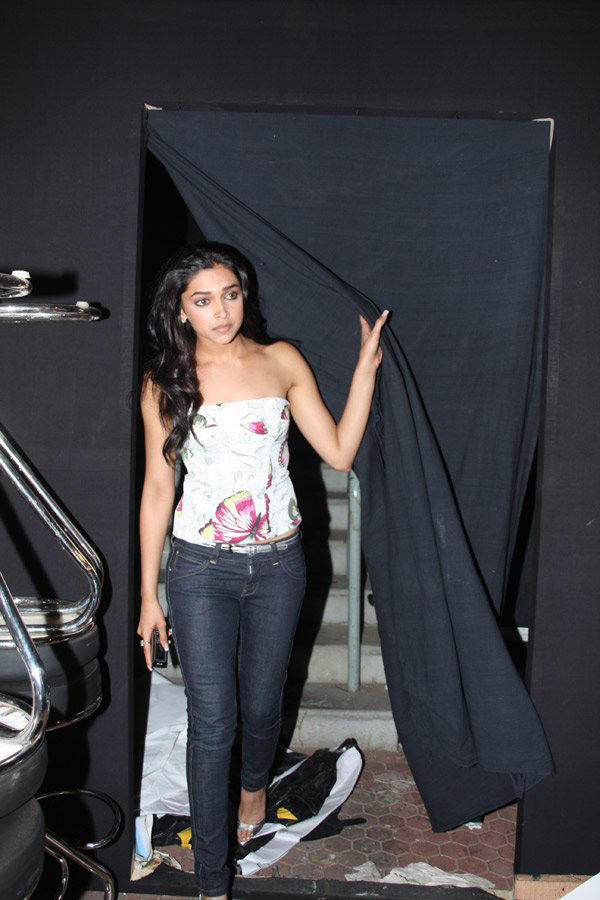 Deepika Padukone looking hottest