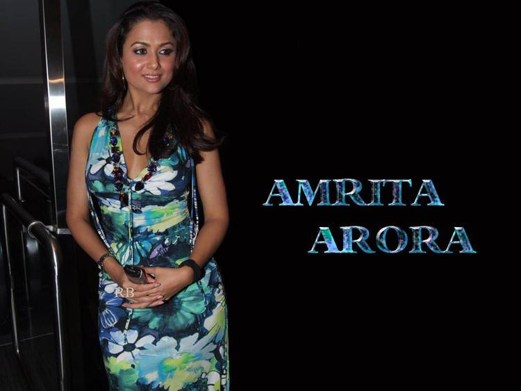 Amrita Arora spicy and sexy wallpaper