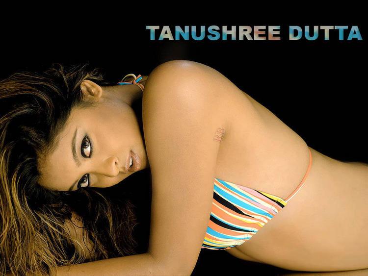 Tanushree Dutta latest bikini hot wallpaper