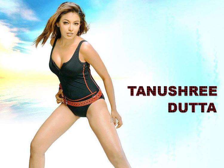 Tanushree Dutta hot cleavage still