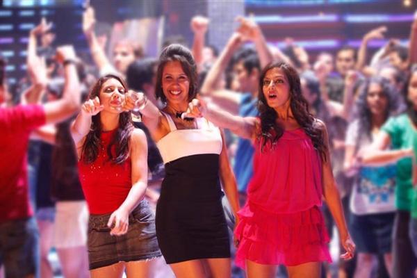 Soundtrack movie soha ali khan hot dance stills