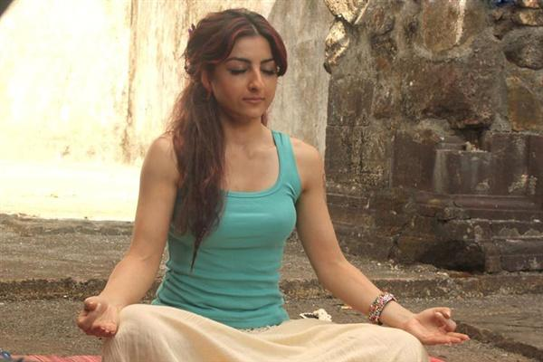 Soundtrack movie soha ali khan hot in t shart