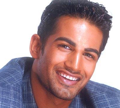 Upen Patel sweet smile look