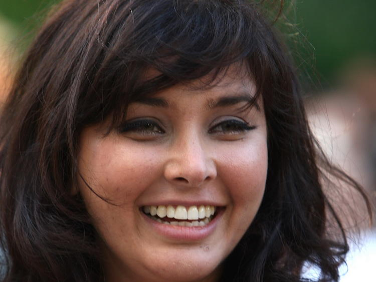 Lisa Ray cute smile pics