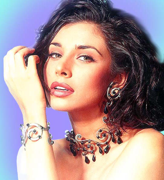 Lisa Ray sexiest face look wallpaper