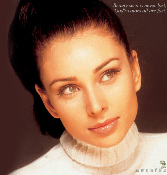 Lisa Ray Brown Eyes wallpaper
