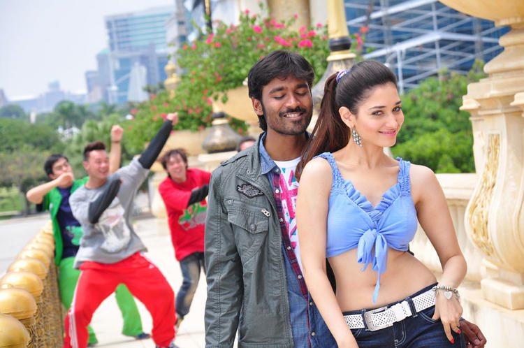 Dhanush Tamanna glamor Stills in Vengai movie