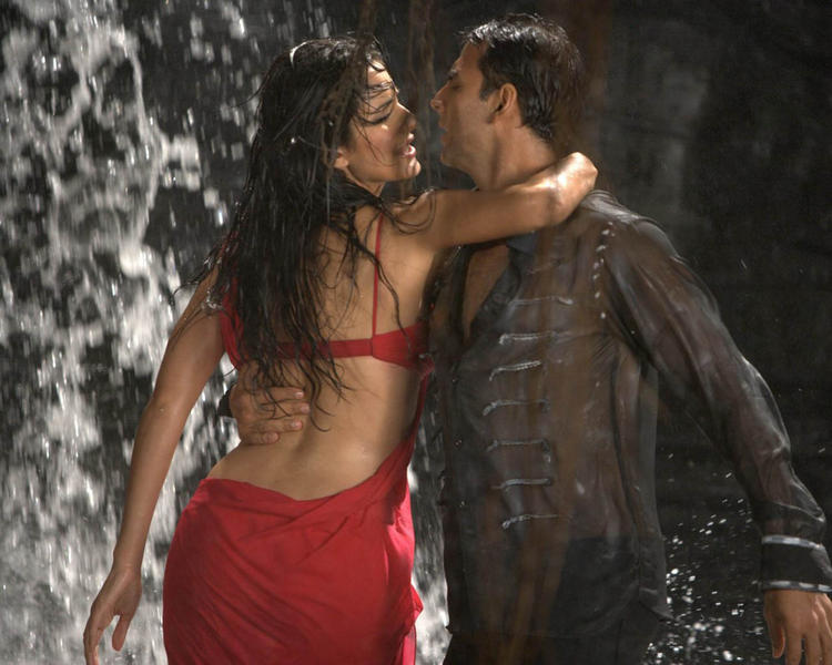 Katrina Kaif with Akshay Kumar hot images