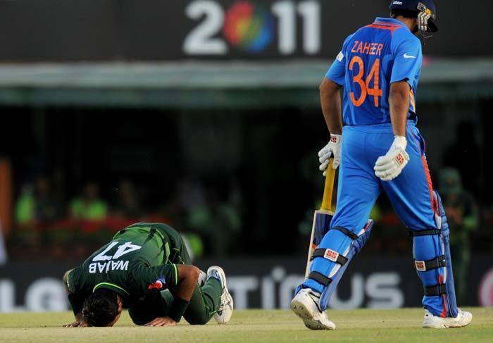 Pakistani fast bowler Wahab Riaz taked wicket of Zaheer Khan in semi final