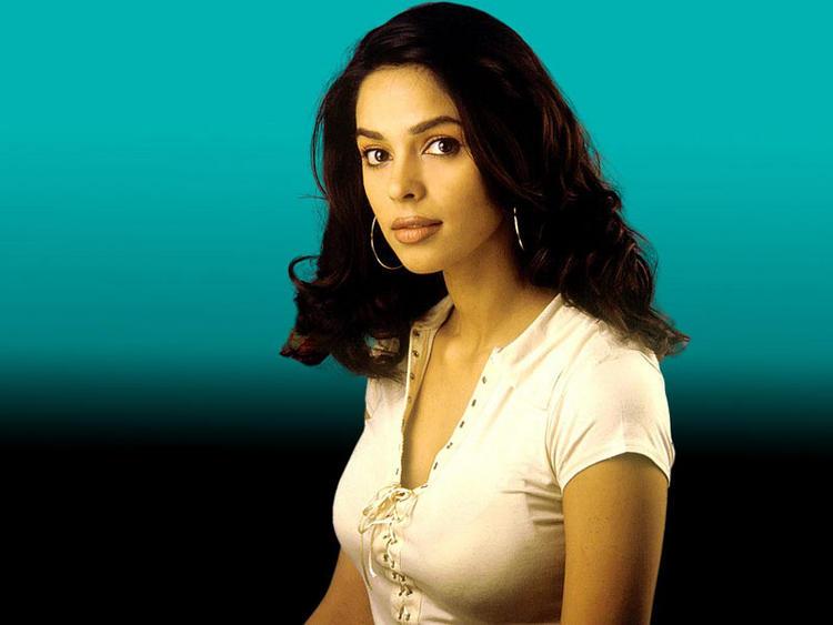 Mallika Sherawat hot sizzling