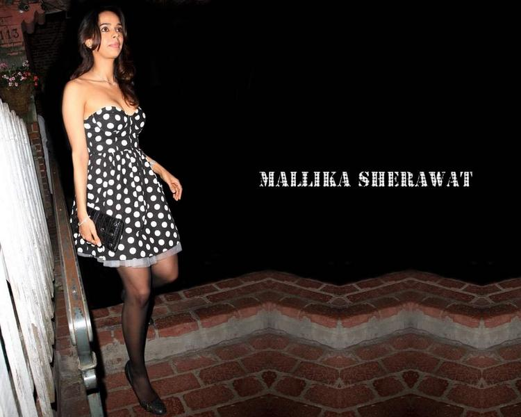 Mallika Sherawat latest sexiest wallpaper