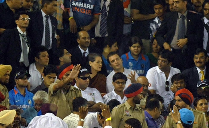 Sonia gandhi at cricket world cup  india vs pakistan semi final