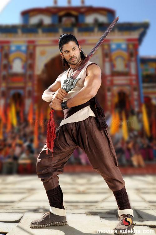 Allu Arjun action stills in badrinath movie