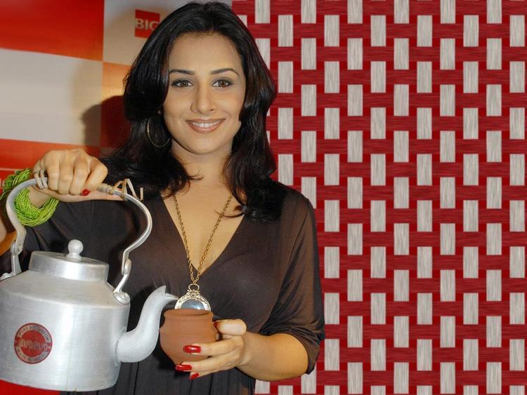 Vidya Balan Take a Tea
