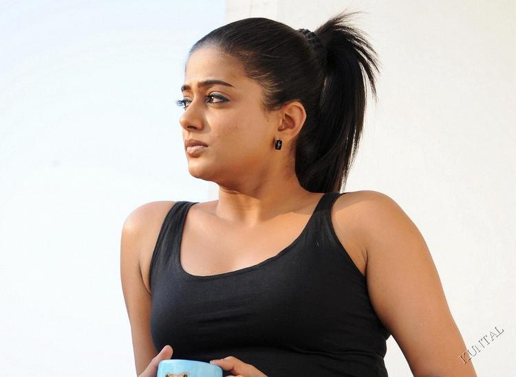 Priyamani looking hot and sexy