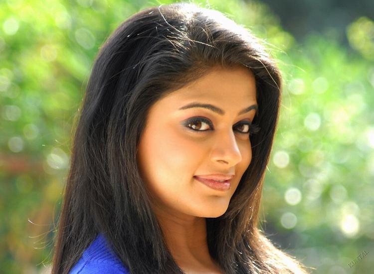Priyamani Amazing Face look