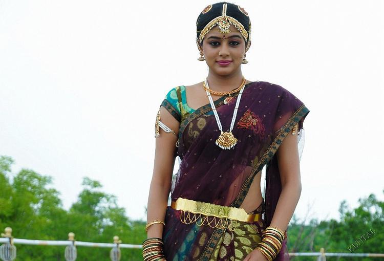 Priyamani look beautiful in saree