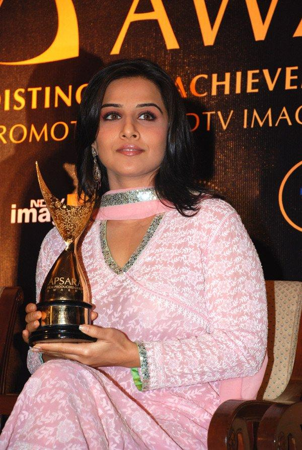 Vidya at an Award Function