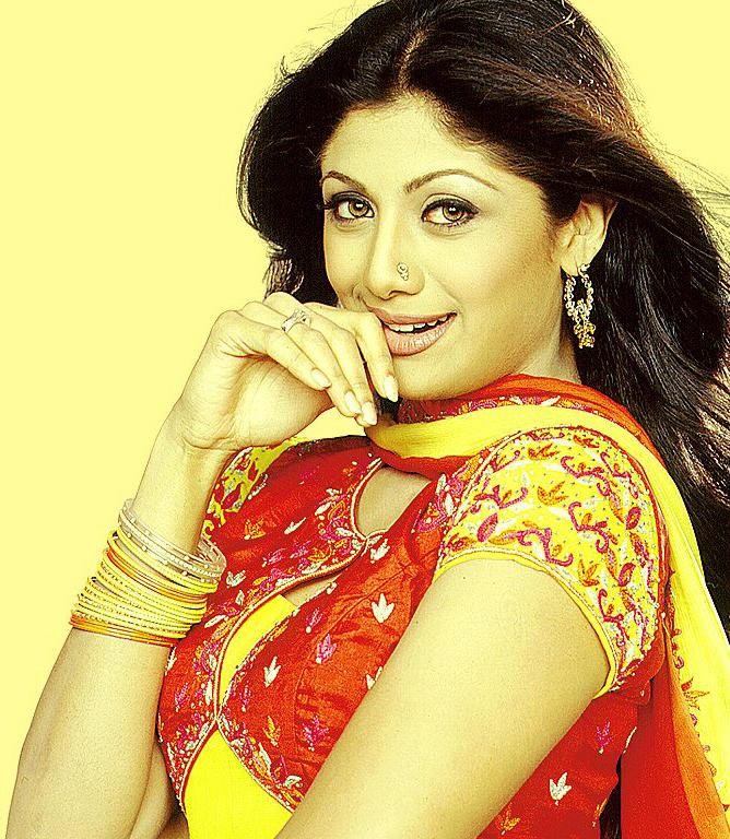 Shilpa Shetty cute hot wallpaper