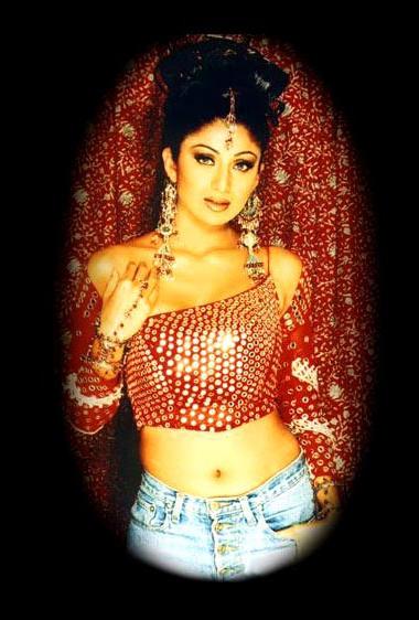 Shilpa Shetty in amazing dress wallpaper