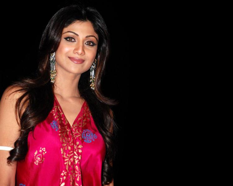 Shilpa Shetty looking Gorgeous