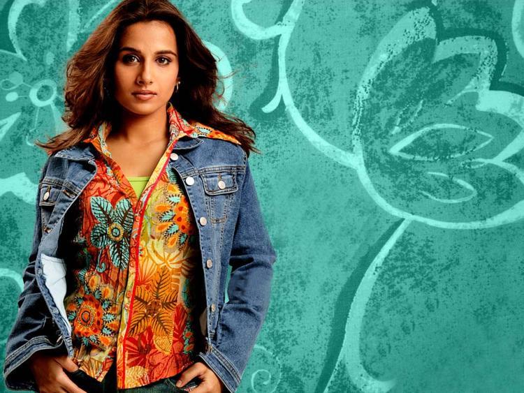 Vidya Balan In Jeans