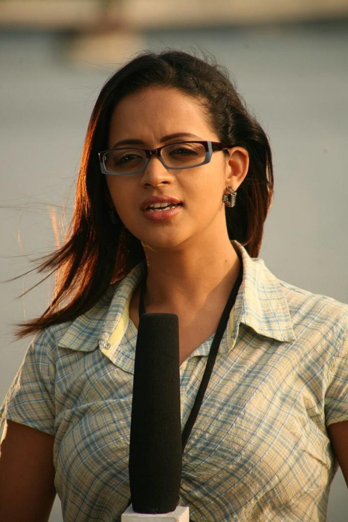 Vetri nadai movie bhavana cute stills