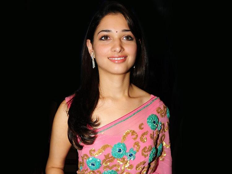 Tamanna  look beautiful in saree